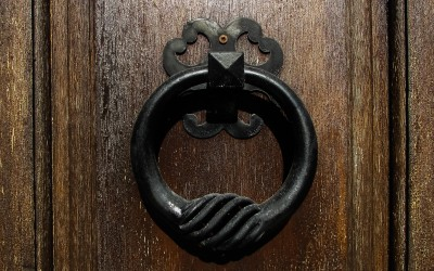 Daily Devotion – Revelation 3:20 – Knocking at Your Door